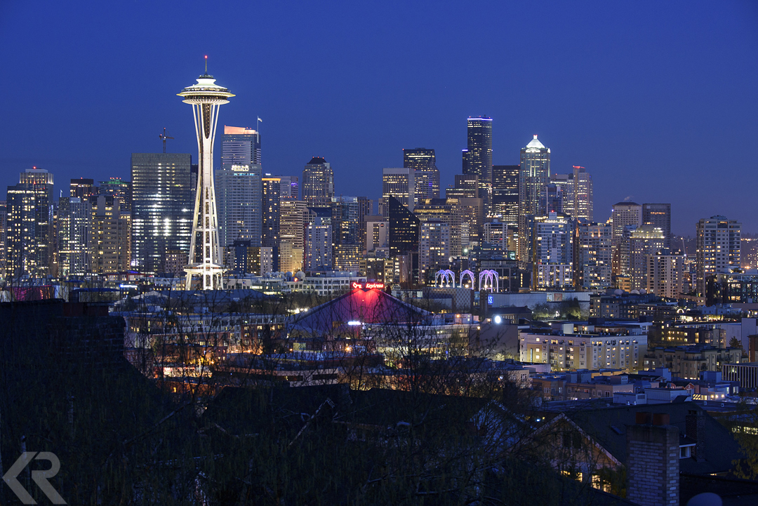 Seattle Washington skyline at twilight with Space Needle.