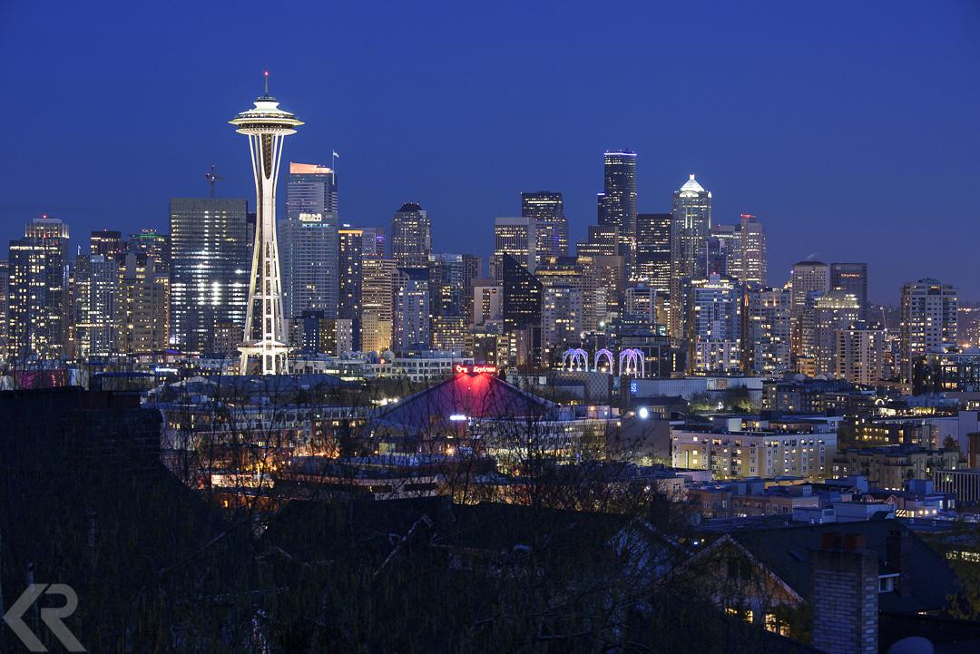 Seattle Washington skyline at twilight with Space Needle.