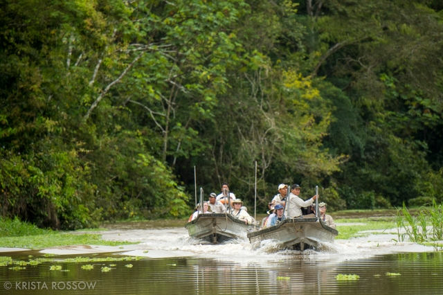 5-Krista-Rossow-Peru-Amazon-skiff